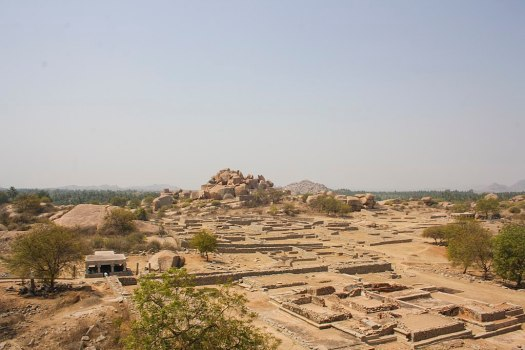 1024px-Ariel_view_of_Hampi_01